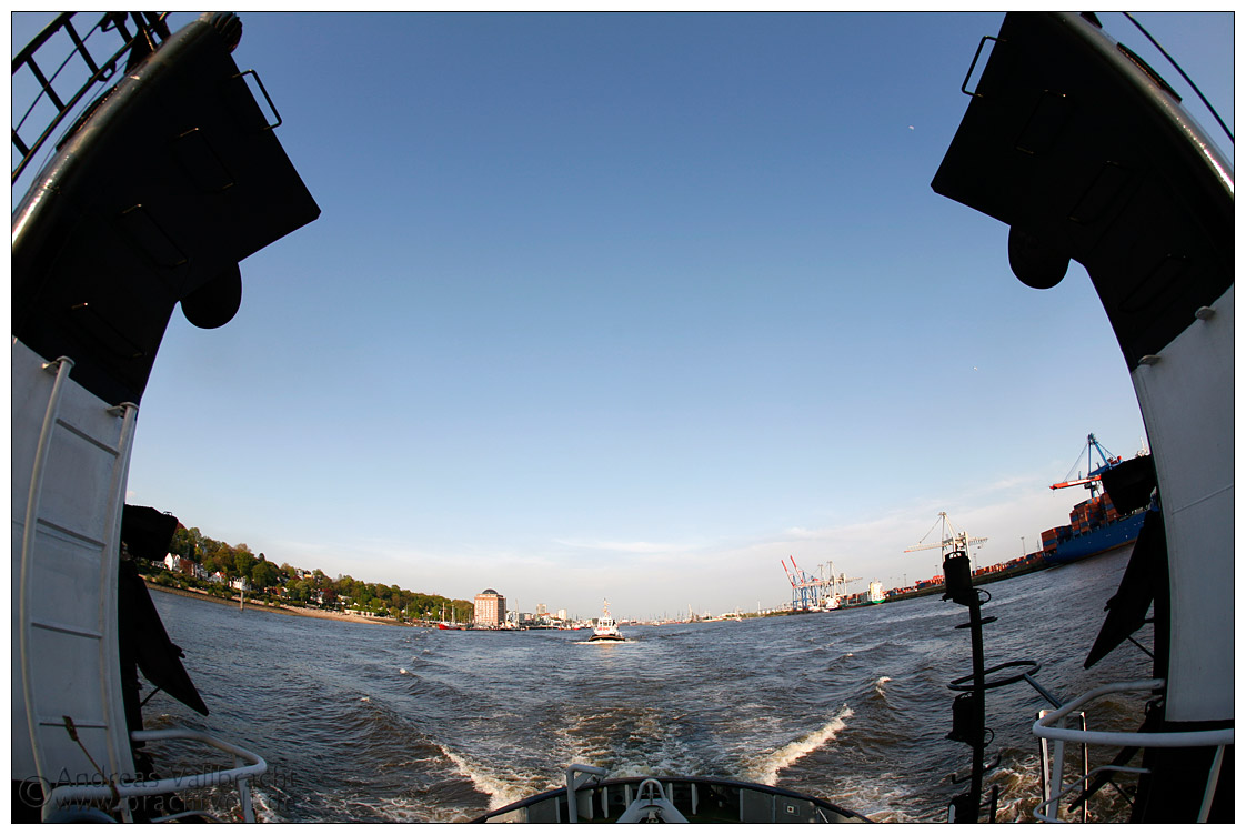 25.4.2007 Schlepper im Hamburger Hafen