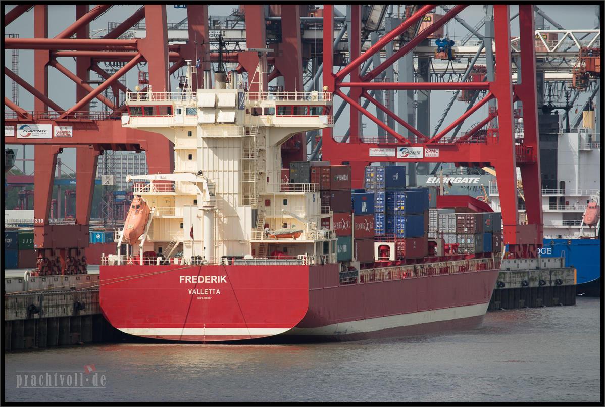 28.4.2014 Ende April habe ich mich kurzfristig zu einer kurzen Frachtschiffreise von  Hamburg nach Finnland entschieden.
