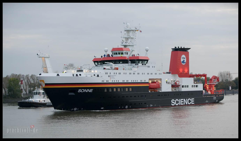 Das neue Forschungsschiff des Bundes ist am 26.10.2014 in Hamburg eingelaufen um bei Blohm + Voss festzumachen.