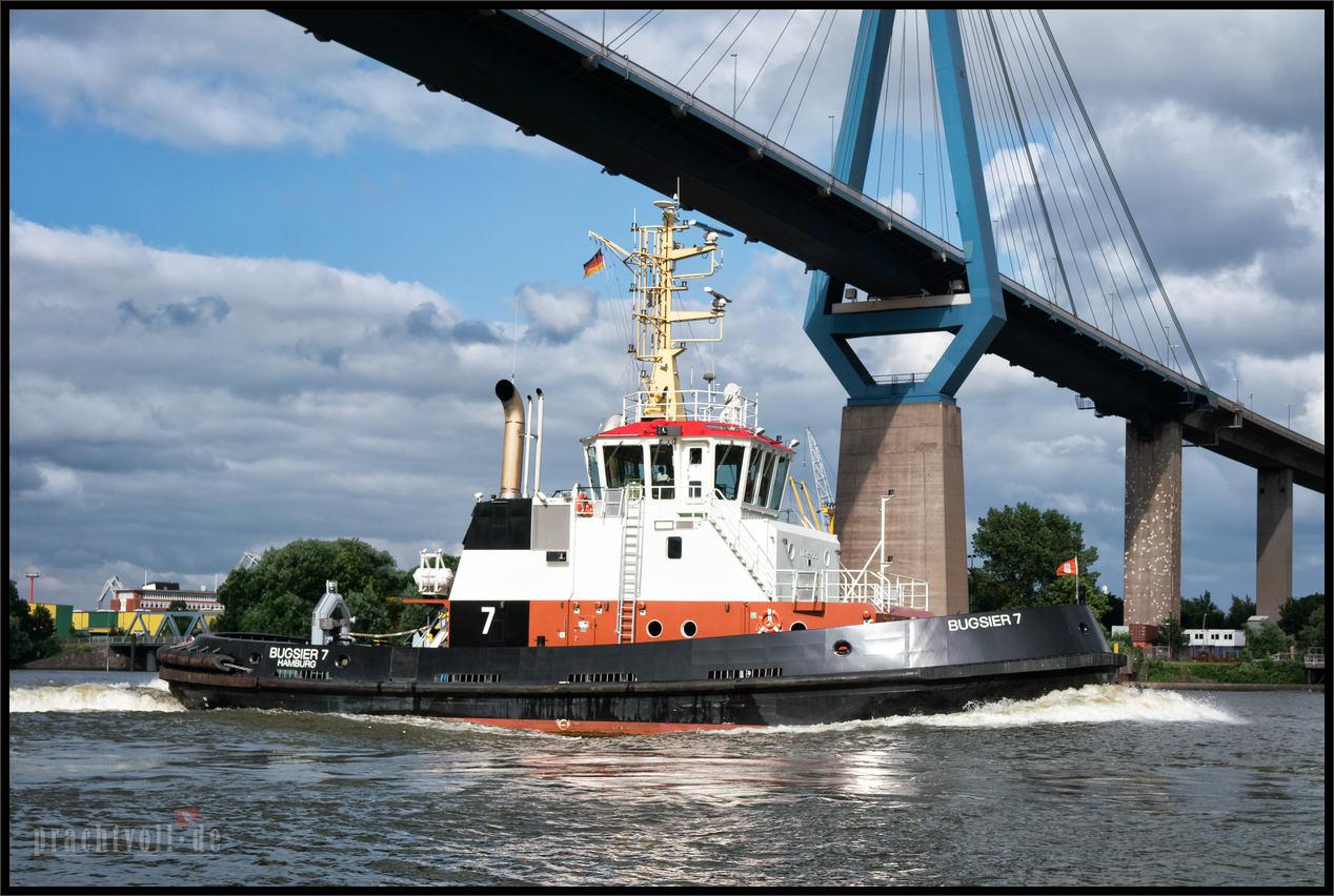 Queen Mary 2 kommt zurück von der Probefahrt nach Hamburg   19.6.2016