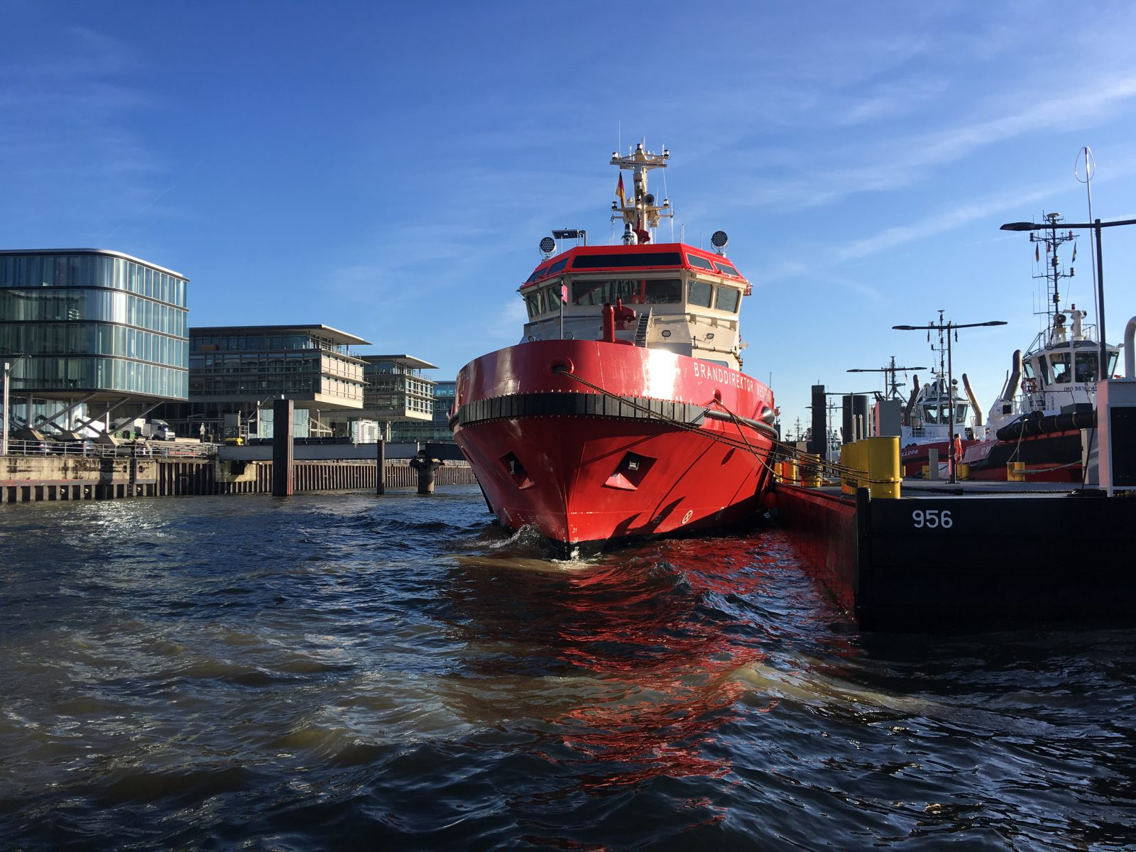 """Neues Löschboot der Feuerwehr """"Branddirektor Westphal"""" in Hamburg eingetroffen"""
